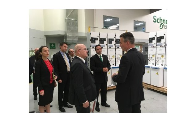 Minister Sapin visiting Schneider in South Africa
